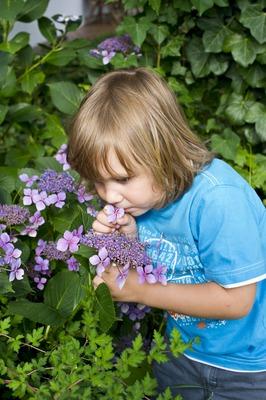 Kind im Privatgarten, (c) Loidl Peter