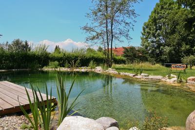 2 Wohlfühlen am Schwimmteich, (c) Zenz Gärten