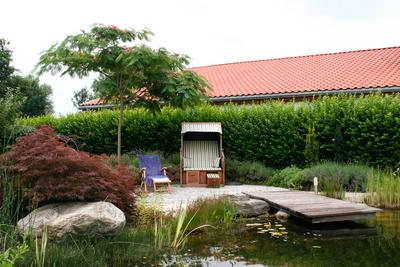 Ruheplatz am Schwimmteich, (c) Zenz Gärten