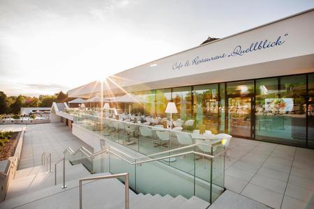 Restaurant der Heiltherme Bad Waltersdorf mit Panorama-Terrasse