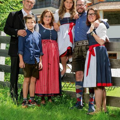 familie Oberluggauer2019.jpg