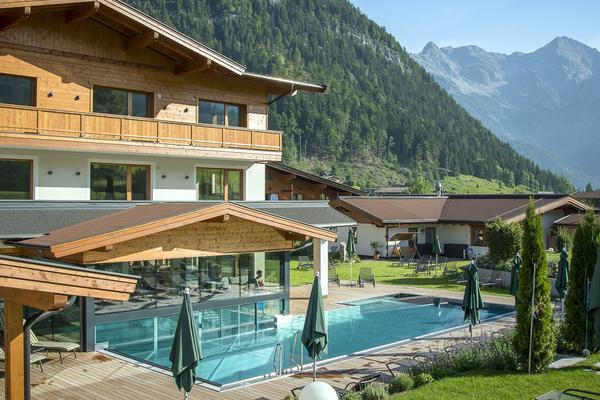 garten-pool-schwimmbad-wellnessgarten2566.jpg