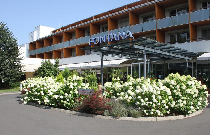 Hoteleingang Thermalhotel Fontana
