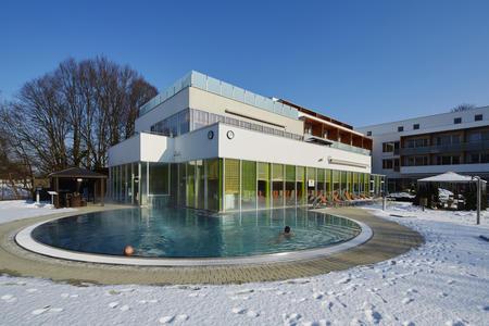 Wintersonne im Thermalhotel Fontana