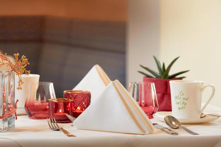European-Ayurveda-Resort MANDIRA Styria_Restaurant_02.jpg