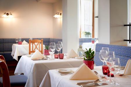 European-Ayurveda-Resort MANDIRA Styria_Restaurant_04.jpg