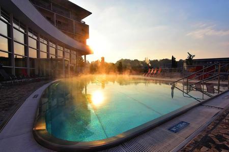 Entspannung pur in der hoteleigenen Thermen-, Sauna- & Sinneswelt.