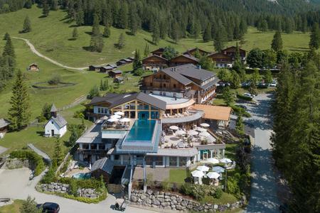 Almwellness Resort Tuffbad - Aussenansicht